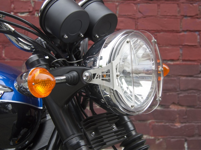 installed altrider clear headlight guard for the triumph bonneville t100 clear headlight guard for the triumph bonneville t100 altrider 2002 Triumph Bonneville T100 at edmiracle.co
