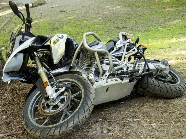 AltRider Crash Bars for the BMW R 1200 GS Water Cooled (2013) - Silver - With Mounting Bracket - Installed