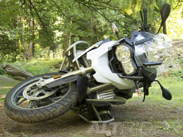 AltRider Crash Bars for the BMW R 1200 GS Water Cooled - Installed