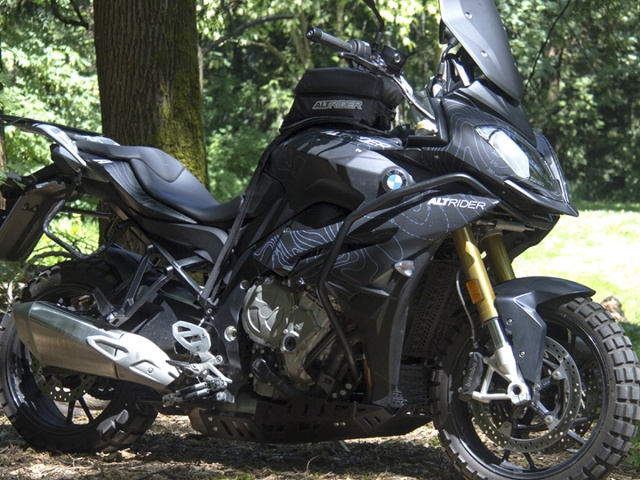 AltRider Crash Bars for the BMW S 1000 XR - Installed