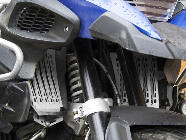 AltRider Radiator Guard for the BMW R 1200 GS Adventure Water Cooled (2014-2017) - Installed