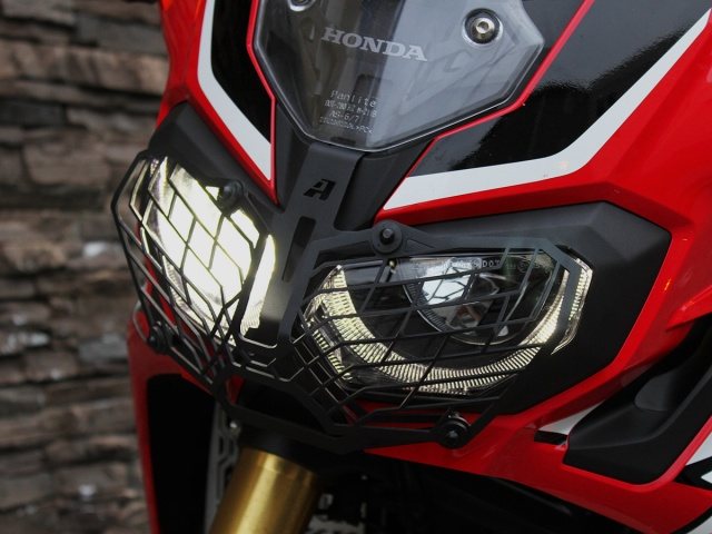 AltRider Stainless Steel Mesh Headlight Guard for the Honda CRF1000L Africa Twin/ ADV Sports - Installed