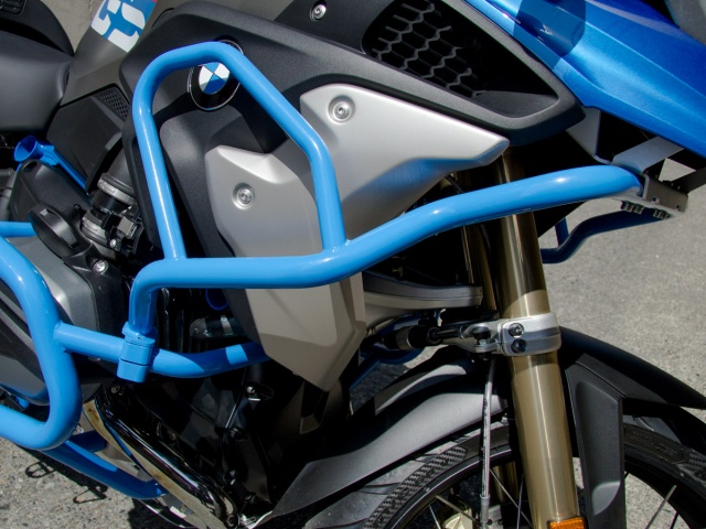 AltRider Upper Crash Bars for the BMW R 1200 GS Water Cooled - Installed