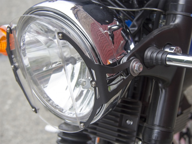 AltRider Clear Headlight Guard for the Triumph Bonneville / T100 - Black - Installed