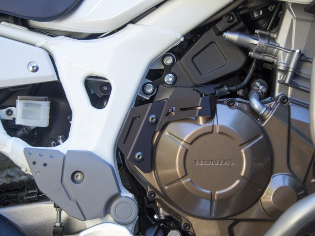 AltRider Clutch Arm Guard for the Honda CRF1000L Africa Twin/ ADV Sports - Installed