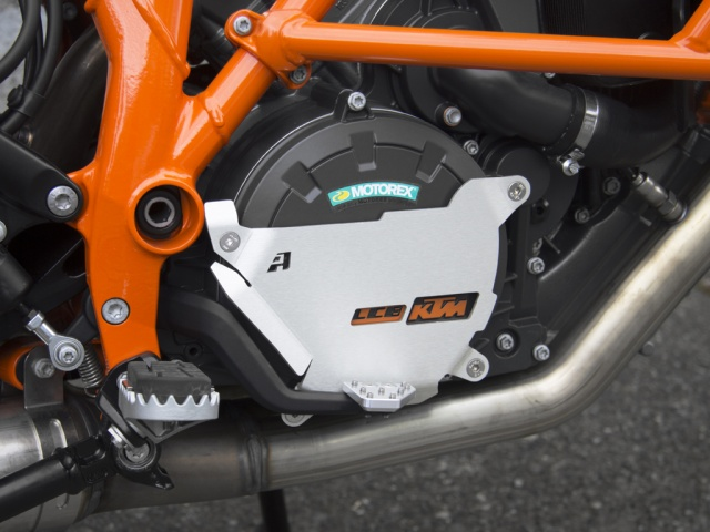 AltRider Clutch Side Engine Case Cover for the KTM 1050/1090/1190 Adventure / R - Silver - Installed