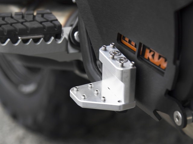 AltRider Clutch Side Engine Case Cover for the KTM 1290 Super Adventure - Installed