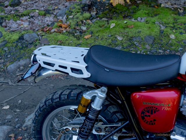AltRider Luggage Rack for Triumph Bonneville / T100 - Silver - Installed