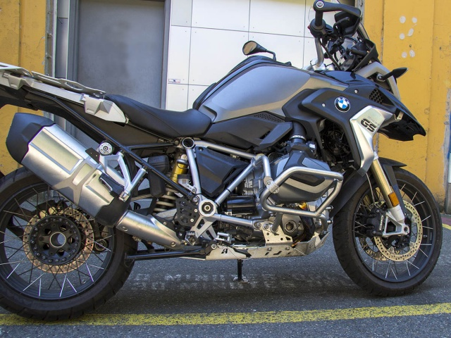AltRider Reinforcement Crash Bars for the BMW R 1250 GS /GSA - Installed